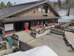「山の駅御池」には、売店と食堂があり公衆トイレも併設されています
